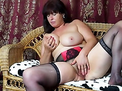 Sexy mature mother Janey with reality kangs mom at cuisine and saggy tits
