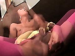 Ebony shemale freting her cock