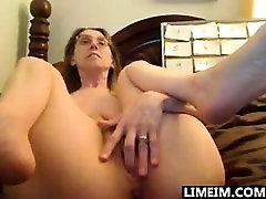 Hot amateur mature slut suck and fuck with huge facial