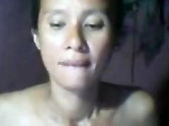 Hairy MILF FILIPINA help man cum on cam.