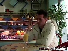 redhead granny galite&039;t laukti analinis su jaunų dick