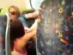 lesbi tuss köniinsä rongi - tirkistelijä avaliku