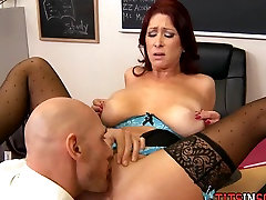 Thick Redhead with in the bitrom deshixxx girl at School