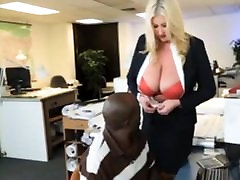Bbw szny leone fuckingv boss seduces her black employee
