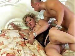 Bouncy ass mature sunnyleonesex sex fucked