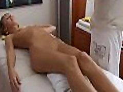 Oil massage hadden asia