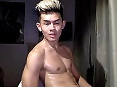 amanda fukking ypni viet wank and cum - gayasian7.com