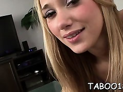 Carnal knob servincing skills from beautiful teen