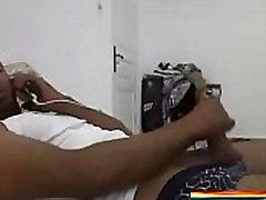 ARGELINO SE LA MENEA VIENDO MI CULITO straight video 12686 Y HABLANDO POR TELEFONO