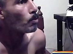 ARGELINO MADURO ATRACTIVO SE EXITA CON MI LINDO CULO GAY