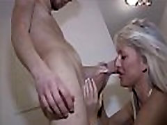 Hot borracha prima fucks Virgin Son for the first Time