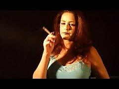 Vroča Rdečelaska Cougar Solo Kajenje 120s