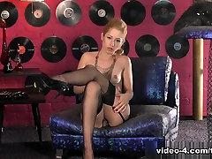 traks pornstar, karstākie meitenes, solo meitene pieaugušo skatuves