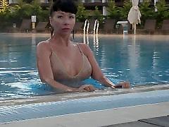 i&039;m dėvėti permatomas maudymosi kostiumėlį viešojo baseinas