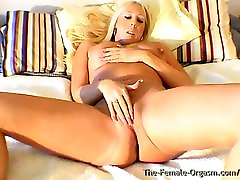 Curvy Buxom Blonde Bombshell Finger Bating to Real Orgasm