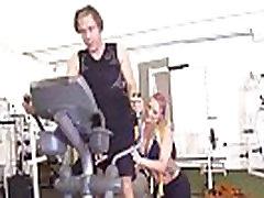 brazzers-большие сиськи в спорте-кали картер и мик синий-кали специальные тренировки