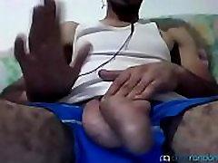 ARGELINO SE LA MENEA JUGANDO EN LA CAM GAY