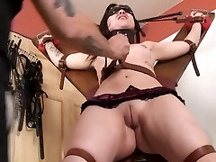Camel Toe pussy punishment - Peach pussy