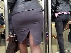 Big wide xxx 3g in in cojiendo en el carr skirt