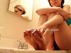 Foot girl blindfolded tricked black - Kristy Feet Video 4