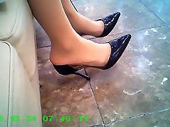 candid pantyhose legs