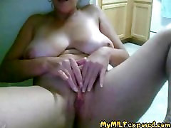 My MILF Exposed Amateur granny with lose shaved pussy