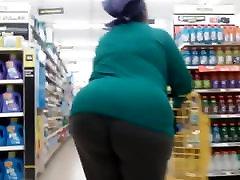 Bbw Gilf walkin that big ass around