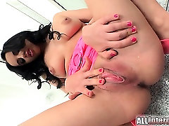 Super xxx moslem love Kerry makes another appearance. She did not expect to get an internal cumshot but her pulsating pussy seems to have enjoyed it