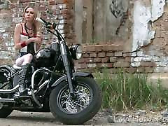 Hot babe in gay ass 7 perfect ass loves her new bike