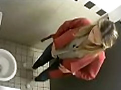 Toilet voyeur 01