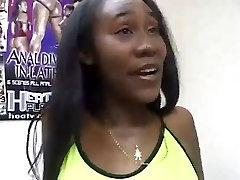 Ebony hetero und bi gets her Muff shaved and banged