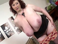 Mature huge boobs