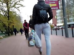 MILF עם צמוד ברחוב