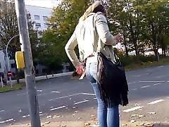 솔직한 소녀 엉덩이 청바지에 1