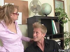 Guy fucks maxima the office woman on the floor