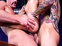 XXX il padre4 video - Pool Shark - group sex