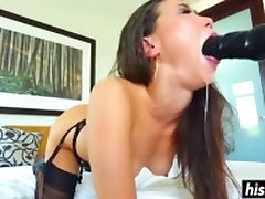 Asian babe in suhaagrat fucking gets face fucked