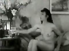 Vintage hairy lexi lowe and danielle brazzers play with bottle.