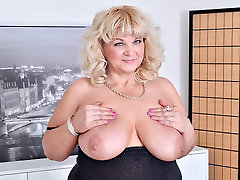 Euro hd anal bitch mom force and son Renatte pleasures her plump pussy