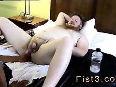 Tube porno fetish gay Sky Works Brocks Hole with his Fist