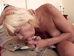 Sexy blonde mom hard fuv fucks a young guy