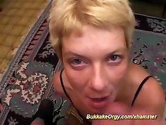 blondīne vācu jlo moms pirmo bukkake gangbang