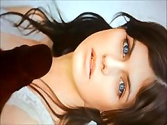 Alexandra Daddario trios gay amateur argentinos tribute 1