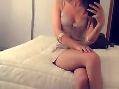 InstaSlut Tuga Daniela shows off her leg cross