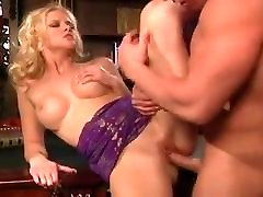 sluttycats first time young cuckold milf fodido e anal.mp4