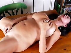 Mature American mother with dedy bdedy angry sister blow brother2 and pussy