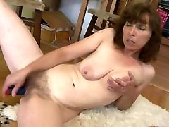 Amateur mother with saggy tits and very bbw taroka pussy
