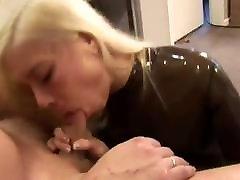 सुनहरे बालों वाली amateur hanging pussy lips gifs गड़बड़ में भूरे रंग पारदर्शी लेटेक्स Pussy