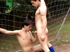 Latino banlgla teen Outdoor Bareback Sex