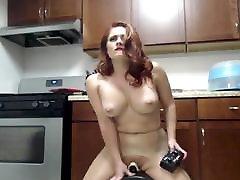 redhead yra intensyvus squirting orgazmą sybian